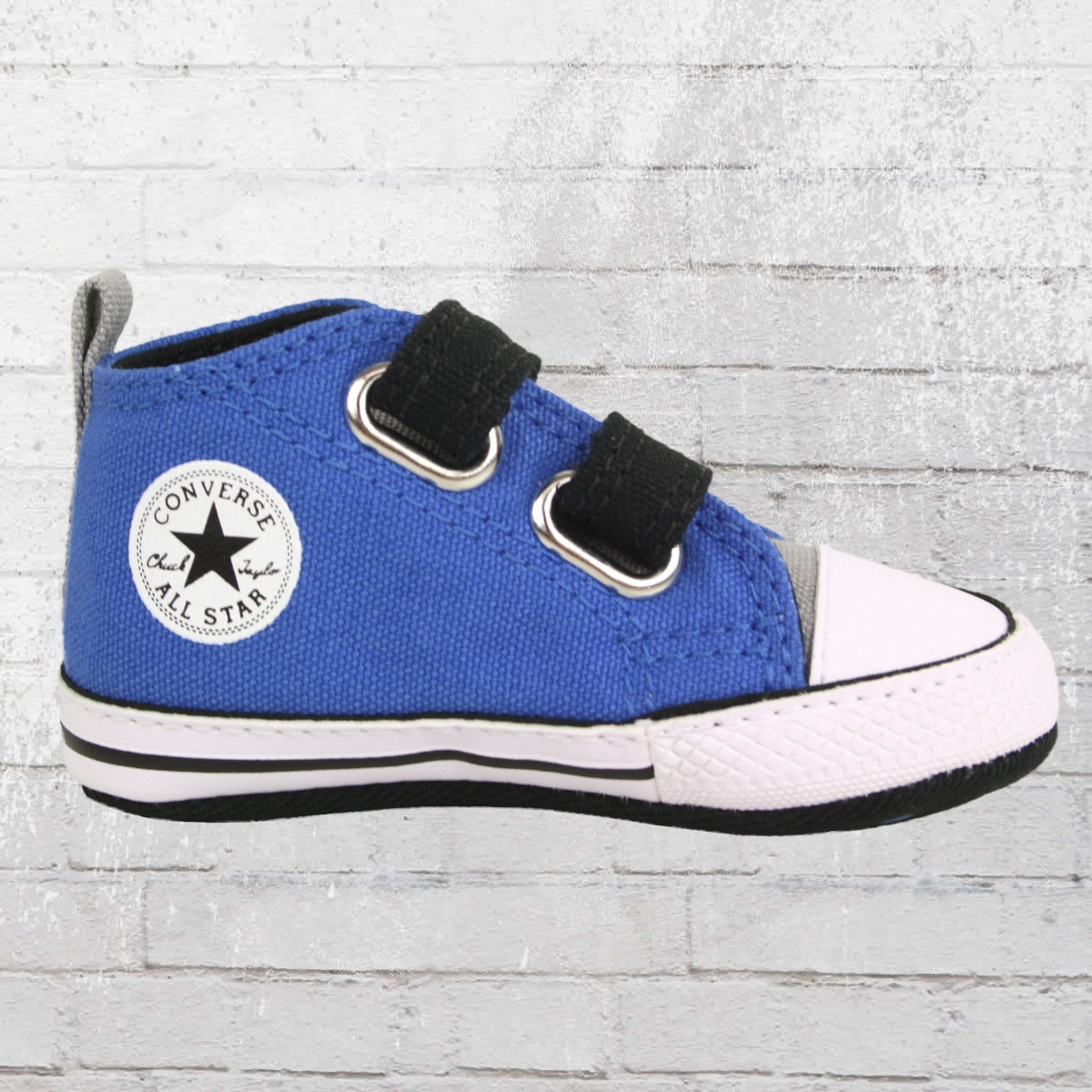 order now converse baby shoes chuck taylor first star 2v. Black Bedroom Furniture Sets. Home Design Ideas