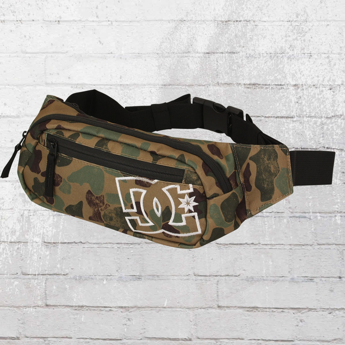 Order now dc shoes hip bag farce bumbag camouflage for Farcical other forms