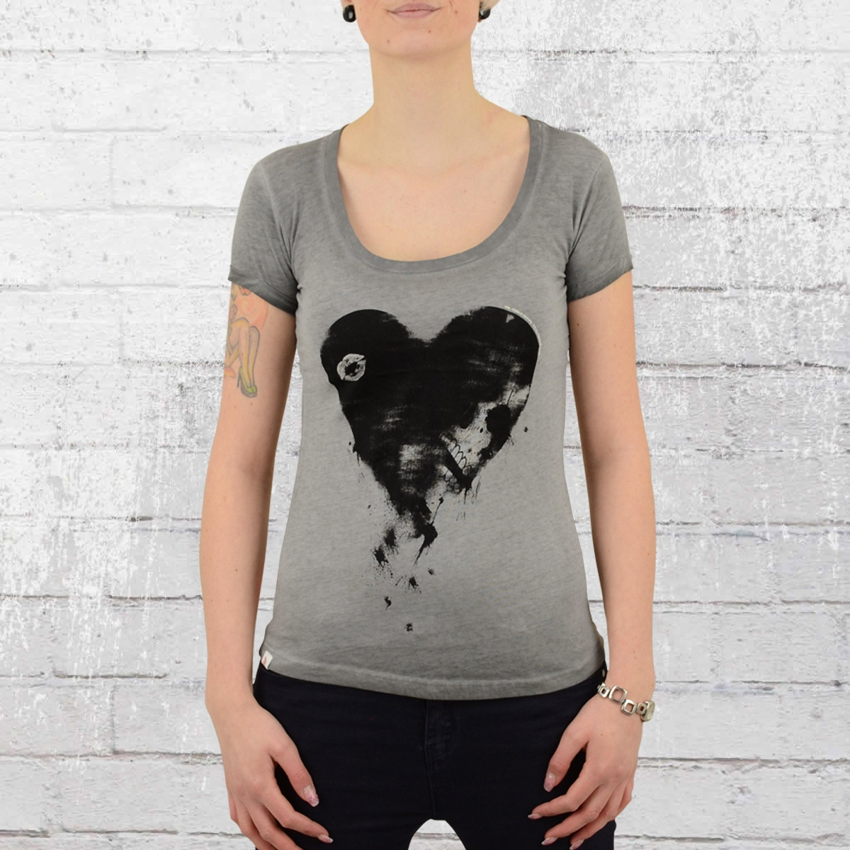 Yakuza Premium Damen T-Shirt Heart vintage grau