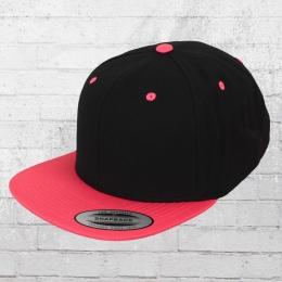 Yupoong by Flexfit Classic Snapback 2-Tone Cap black neon pink 8b5ce43ebd35