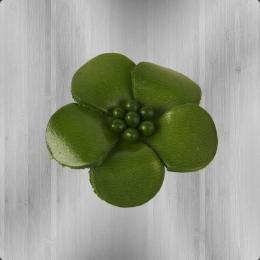 Veilchen mit Perlen Anstecker aus Leder oliv