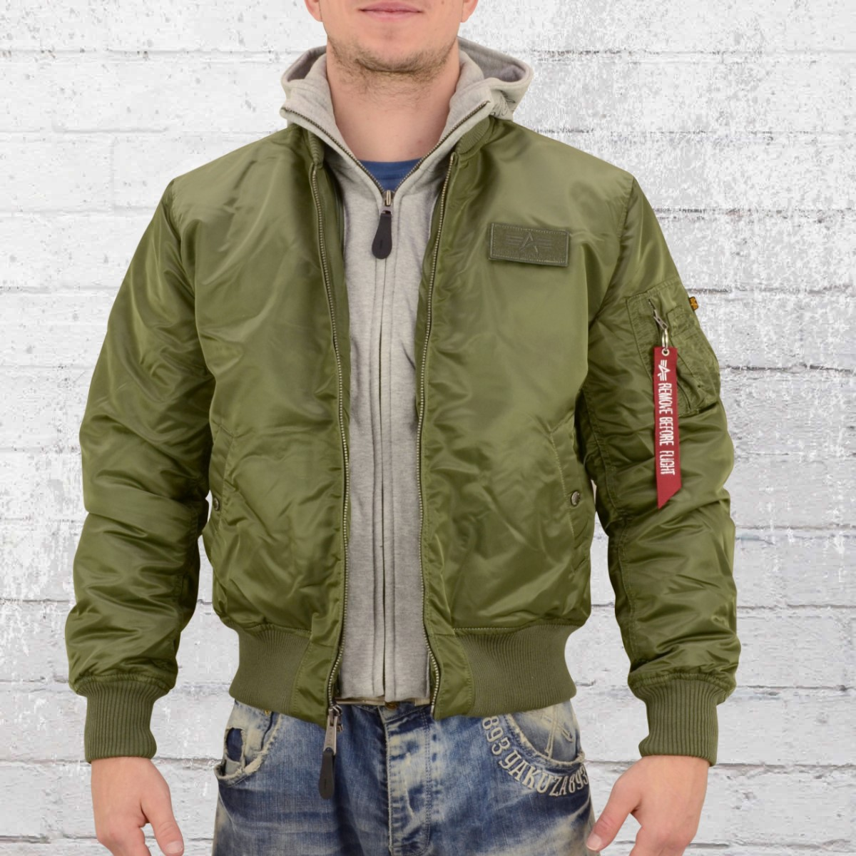 Alpha Industries Mens Bomber Jacket MA1 D Tec sage green. ›‹ « 28ee1e16301