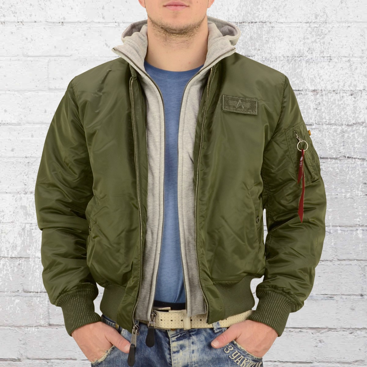 Alpha Industries Male Bomber Jacket MA1 D Tec dark green. ›‹ « 5382edb0384