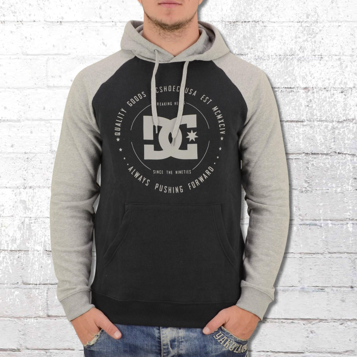 huge selection of 6beb0 723fa Jetzt bestellen | DC Shoes Herren Kapuzen Sweatshirt Rebuilt ...