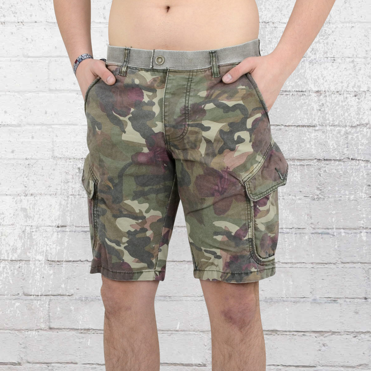 ae98397b25 Order now | Jetlag Men Cargo Army Shorts SO16-18 floral camouflage