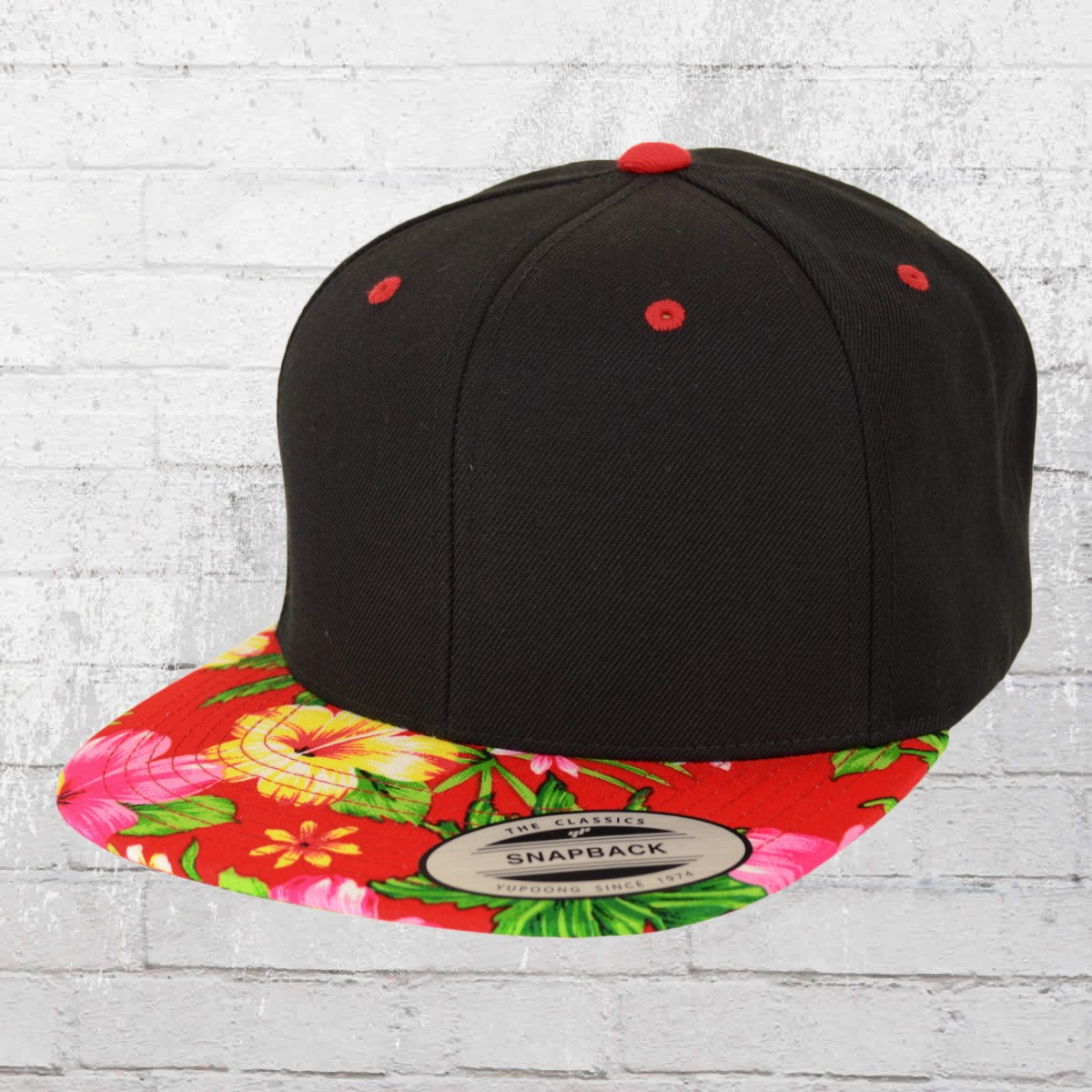 e3801f8df1911 Yupoong by Flexfit Hawaiian Snapback Cap black red ›‹. «