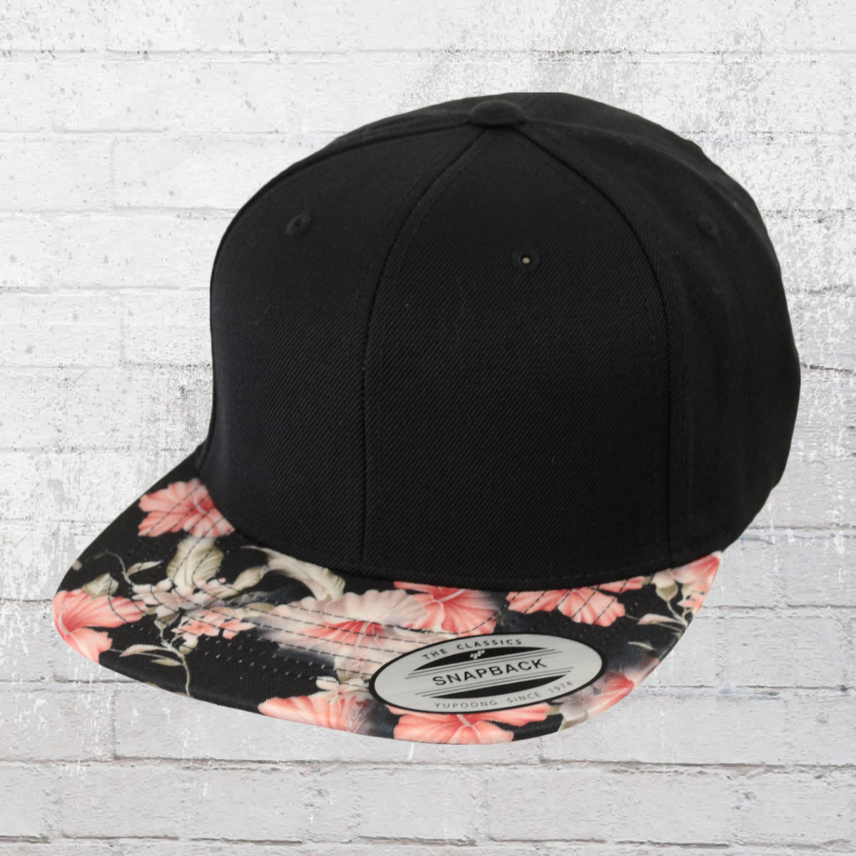 ba27dc2ecea Yupoong by Flexfit Snapback Cap Floral black red. ›‹ «