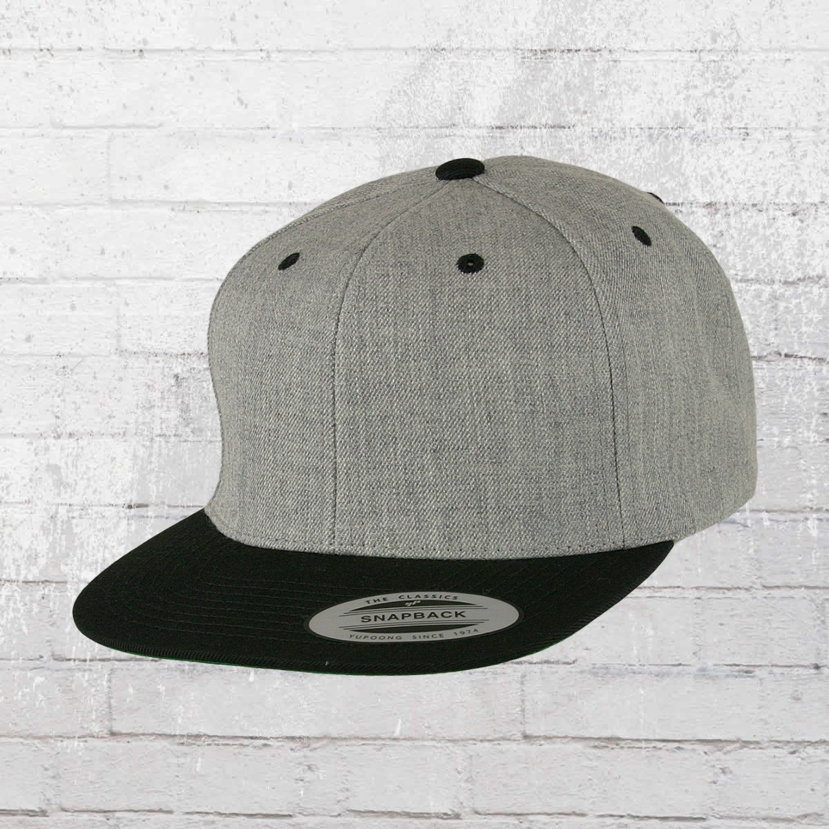 46be734e27d Yupoong by Flexfit Classic Snapback 2-Tone Cap heather grey black. ›‹ «