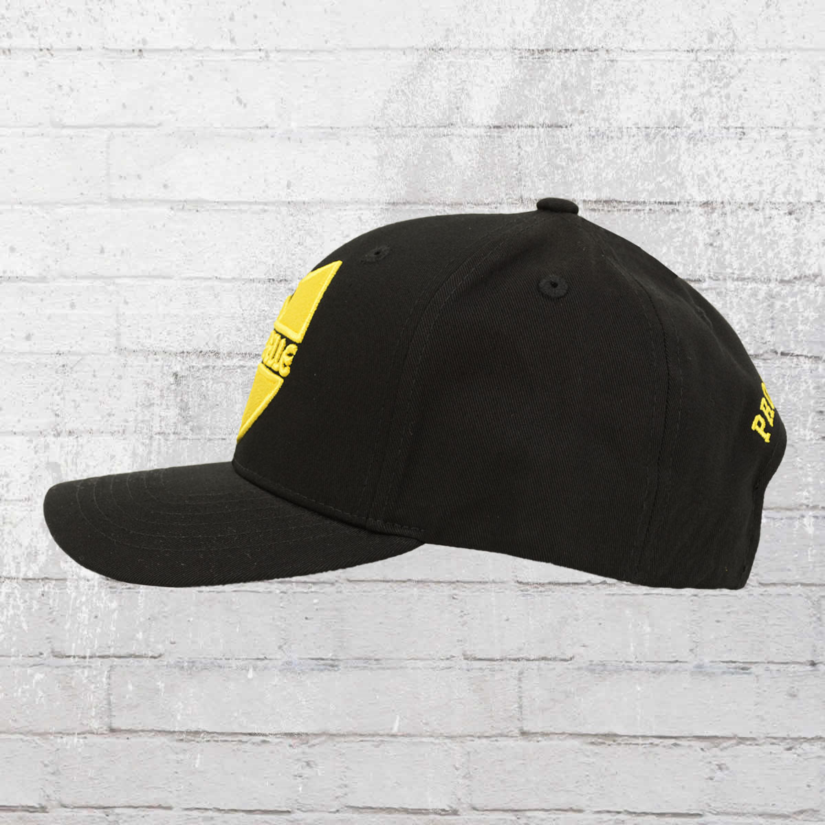 62f08f73c3d Have you seen  Pelle Pelle Curved Cap Core Label Snapback ...