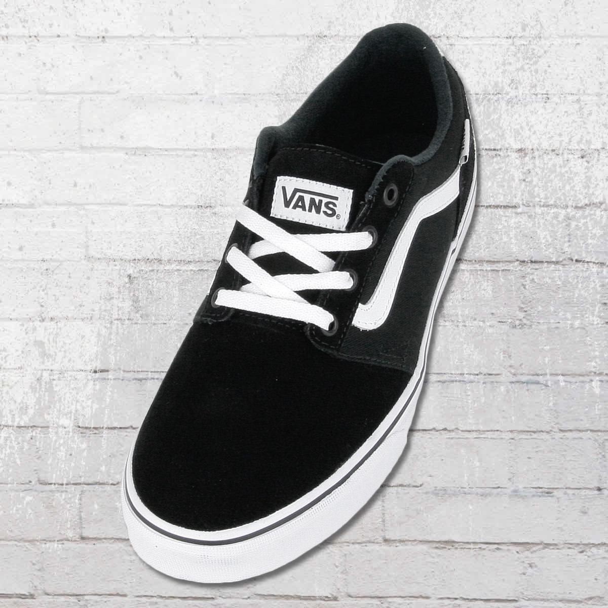 vans shoes black with white stripe